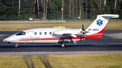 A picture of SPMXH - Piaggio P180 Avanti - Polish Medical Air Rescue - © Yegor8016