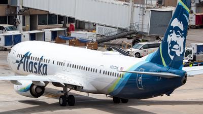 A picture of N263AK - Boeing 737990(ER) - Alaska Airlines - © Rodrigo Ehnis Borja