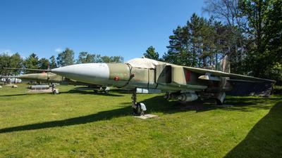 584 - Mikoyan-Gurevich MiG-23MF Flogger B - German Democratic Republic - Air Force