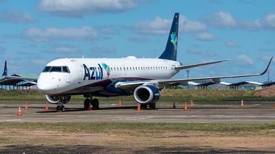 A picture of PRAUK - Embraer E195AR - Azul Linhas Aereas - © Tiago Quirino
