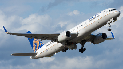 A picture of N67134 - Boeing 757224 - United Airlines - © eastex.aviation