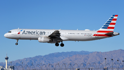 A picture of N542UW - Airbus A321231 - American Airlines - © Rocky Wang