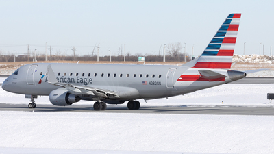 A picture of N282NN - Embraer E175LR - American Airlines - © Mike MacKinnon