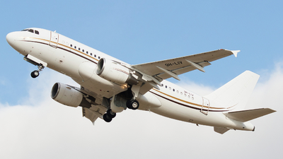 9H-LIV - Airbus A319-115(CJ) - Comlux Aviation Malta