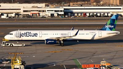 A picture of N986JB - Airbus A321231 - JetBlue Airways - © HAOFENG YU