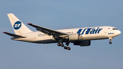 A picture of VPBAL - Boeing 767224(ER) - UTair - © Moritz Klöckner
