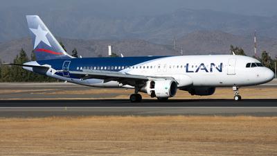 CC-BAZ - Airbus A320-214 - LAN Airlines