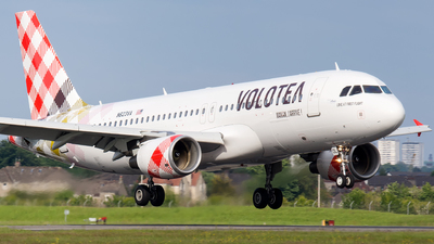 N623VA - Airbus A320-214 - Volotea