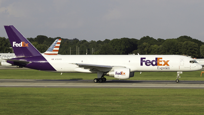 A picture of N781FD - Boeing 757222(SF) - FedEx - © Thomas Morrison