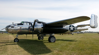 N5833B - North American B-25J Mitchell - Private