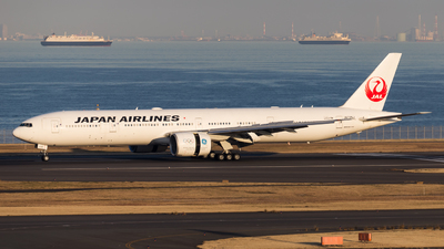 JA735J - Boeing 777-346ER - Japan Airlines (JAL)