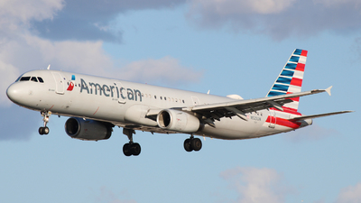 A picture of N523UW - Airbus A321231 - American Airlines - © Jack Jarzynka