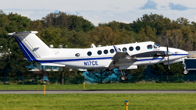 N17CE - Beechcraft 300 Super King Air - Private