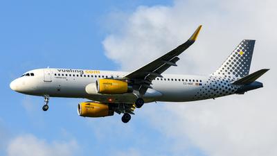 EC-MQE - Airbus A320-232 - Vueling