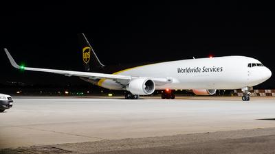 N303UP - Boeing 767-34AF(ER) - United Parcel Service (UPS)