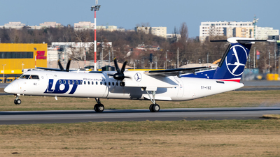 OY-YBZ - Bombardier Dash 8-Q402 - LOT Polish Airlines (Nordic Aviation Capital (NAC))