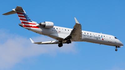 A picture of N766SK - Mitsubishi CRJ701ER - American Airlines - © Martin Pinnau