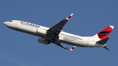 A picture of TCJZG - Boeing 7378F2 - Air Albania - © Davide Daverio