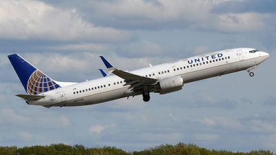 A picture of N47414 - Boeing 737924(ER) - United Airlines - © DJ Reed - OPShots Photo Team
