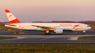 OE-LPE - Boeing 777-2Q8(ER) - Austrian Airlines