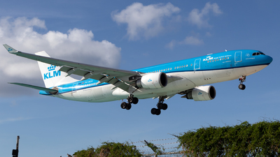 A picture of PHAOA - Airbus A330203 - KLM - © William Vignes