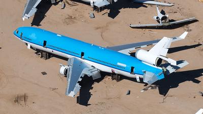 PH-KCE - McDonnell Douglas MD-11 - Untitled