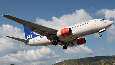 A picture of LNRNN - Boeing 737783 - [28315] - © Alexey Prokhorov