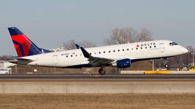 N270SY - Embraer 170-200LR - Delta Connection (SkyWest Airlines)