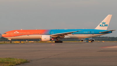 A picture of PHBVA - Boeing 777306(ER) - KLM - © Justin Peeters