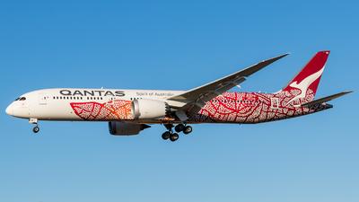 A picture of VHZND - Boeing 7879 Dreamliner - Qantas - © ChrisLait
