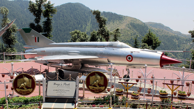 C1556 - Mikoyan-Gurevich MiG-21M Fishbed J - India - Air Force