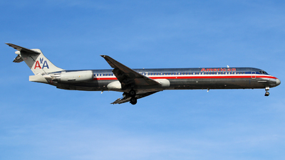 N9401W - McDonnell Douglas MD-83 - American Airlines