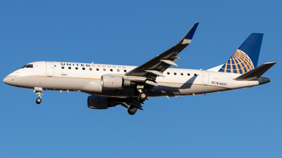 A picture of N146SY - Embraer E175LR - United Airlines - © Luke Ayers