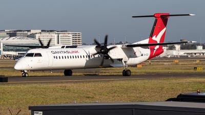 A picture of VHQOY - De Havilland Canada Dash 8400 - Qantas - © Clinton_vern