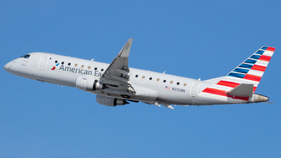 A picture of N232NN - Embraer E175LR - American Airlines - © Stephen J Stein