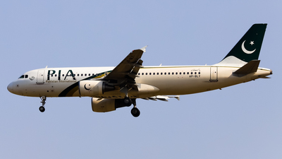 AP-BLY - Airbus A320-216 - Pakistan International Airlines (PIA)