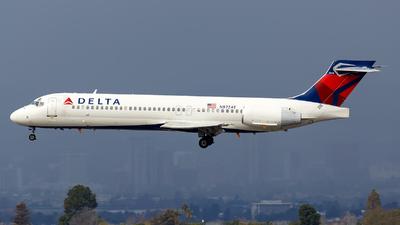 N972AT - Boeing 717-2BD - Delta Air Lines