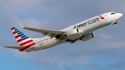 A picture of N981NN - Boeing 737823 - American Airlines - © Andre M.