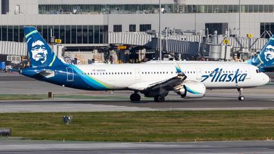 A picture of N930VA - Airbus A321253N - Alaska Airlines - © Chris Phan