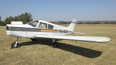HA-KON - Piper PA-28-140 Cherokee E - Private
