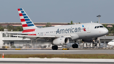 A picture of N835AW - Airbus A319132 - American Airlines - © Mark Lawrence
