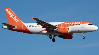 A picture of GEZBZ - Airbus A319111 - easyJet - © Martin O.