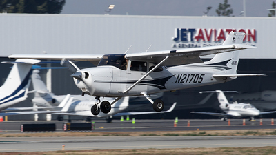 N21705 - Cessna 172S Skyhawk SP - Private