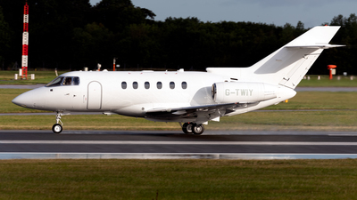 G-TWIY - Hawker Beechcraft 750 - Saxon Air