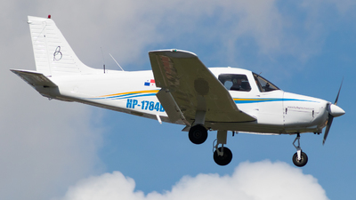 HP-1784BL - Piper PA-28-161 Warrior II - Private
