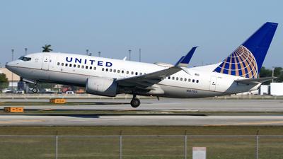 A picture of N16703 - Boeing 737724 - United Airlines - © Eddie Heisterkamp