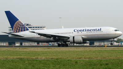 N76153 - Boeing 767-224(ER) - Continental Airlines