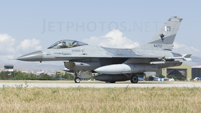 84707 - General Dynamics F-16A Fighting Falcon - Pakistan - Air Force