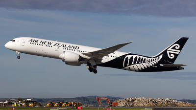 A picture of ZKNZR - Boeing 7879 Dreamliner - Air New Zealand - © Lukasz Swain