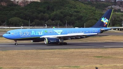 A picture of PRAIT - Airbus A330243 - Azul Linhas Aereas - © Janna Andrade
